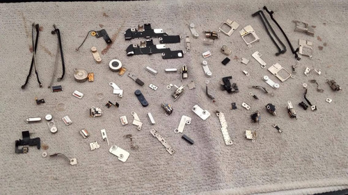 tornillos y piezas para iphone