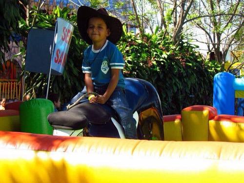toro mecanico fiesta niños