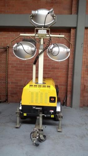 torre de iluminacion nueva ecoroad diesel de 3 lamparas
