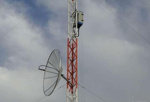 torre estaiada lances de 3 metros internet,radio, 48 metros
