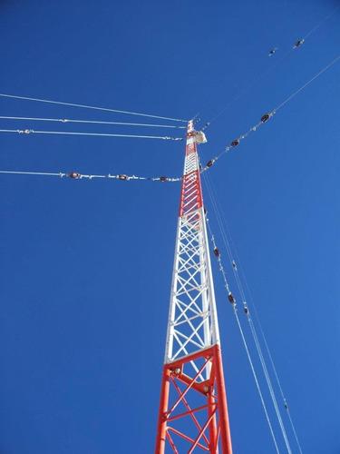 torres ventadas y autosoportadas para telecomunicaciones