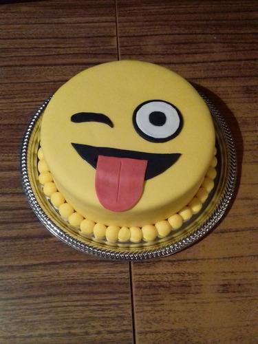 torta 18cm en bandeja decorada + 12 cupcakes o cookies