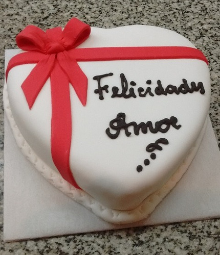 torta artesanal decorada - mini corazon - 850 grs