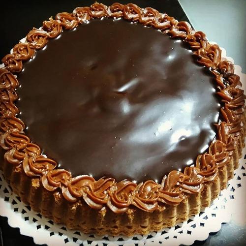 torta chocolate, tartas, mesa dulce