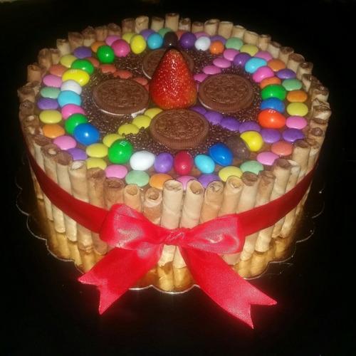 torta con pirulin y golosinas