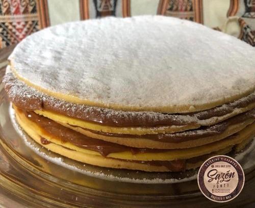 torta de alfajor zambito 5 capas especial. 67 soles. postre