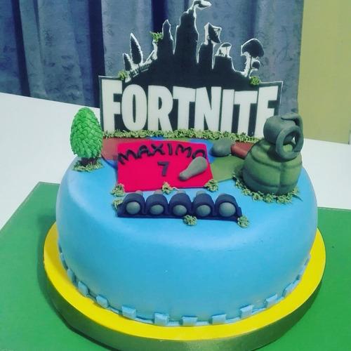 torta decorada fortnite