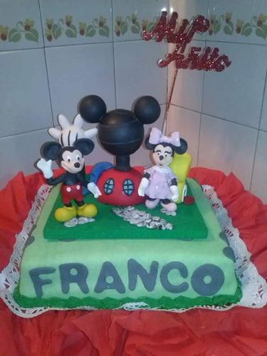 torta decorada para 30  personas + adorno en pocelana fria