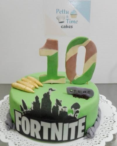 torta fortnite + 12 cupcakes