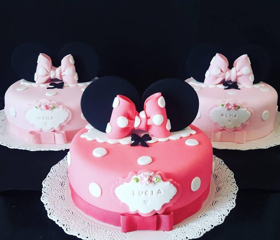 Torta Minnie Con Orejas Y Moño 2 Kilos Y Medio 119000 En