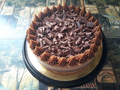 torta mousse de chocolate semiamargo y mousse de granizado.
