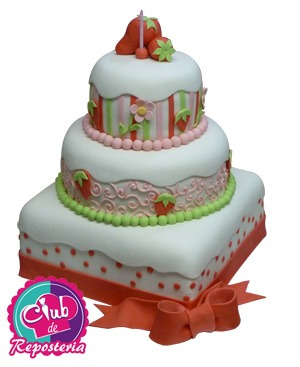 torta rosita fresita para 60 personas