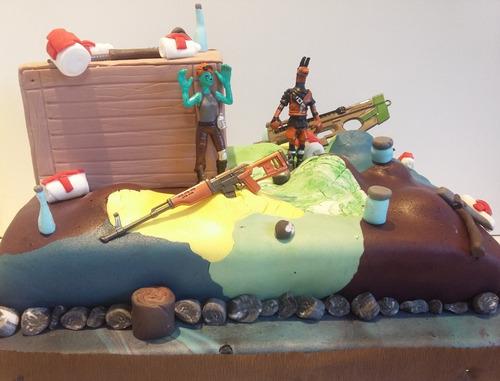 tortas infantiles fortnite, batalla,armas ,muñecos