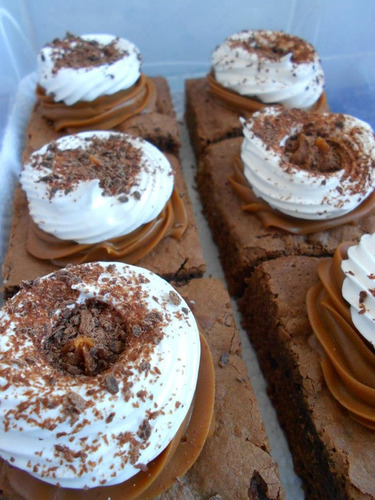 tortas minis y grandes, mesa dulce, restaurant