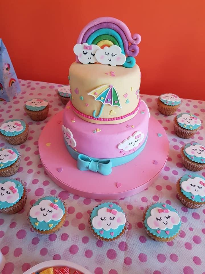 6de18123140a7 tortas tematicas arcoiris y nubes cumpleaños baby showers. Cargando zoom.