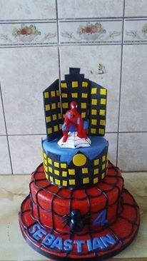 tortas y cupcakes del hombre araña o spiderman