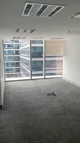totalmente acondicionado,  piso 10 con 1100 m2 lagrange2