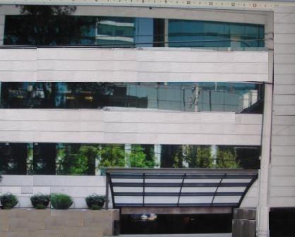 totalmente acondicionado , piso 2 con 614 m2 urales