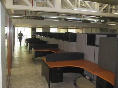 totalmente acondicionado, piso 24 con 589 m2 quadrata2