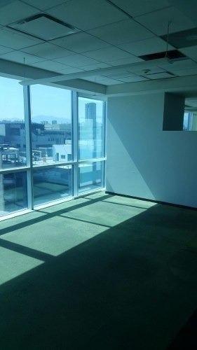 totalmente acondicionado,  piso 5 con 372 m2, piso 7  esmer3