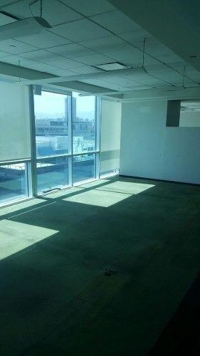 totalmente acondicionado,  piso 7 con 509 m2, esmer32