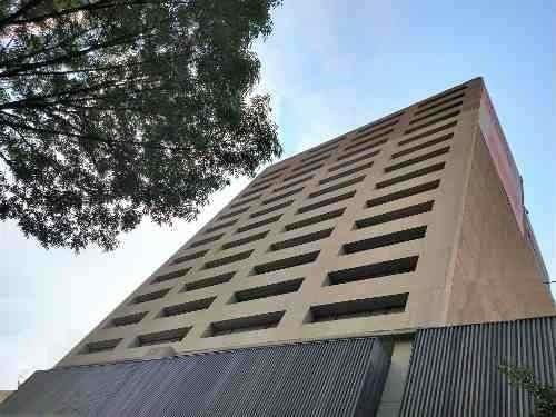 totalmente  acondicionado, piso 9 con 645 m2  summa