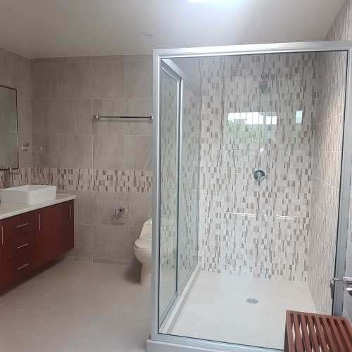 totalmente remodelada excelente ubicación  3 recs con baño 4