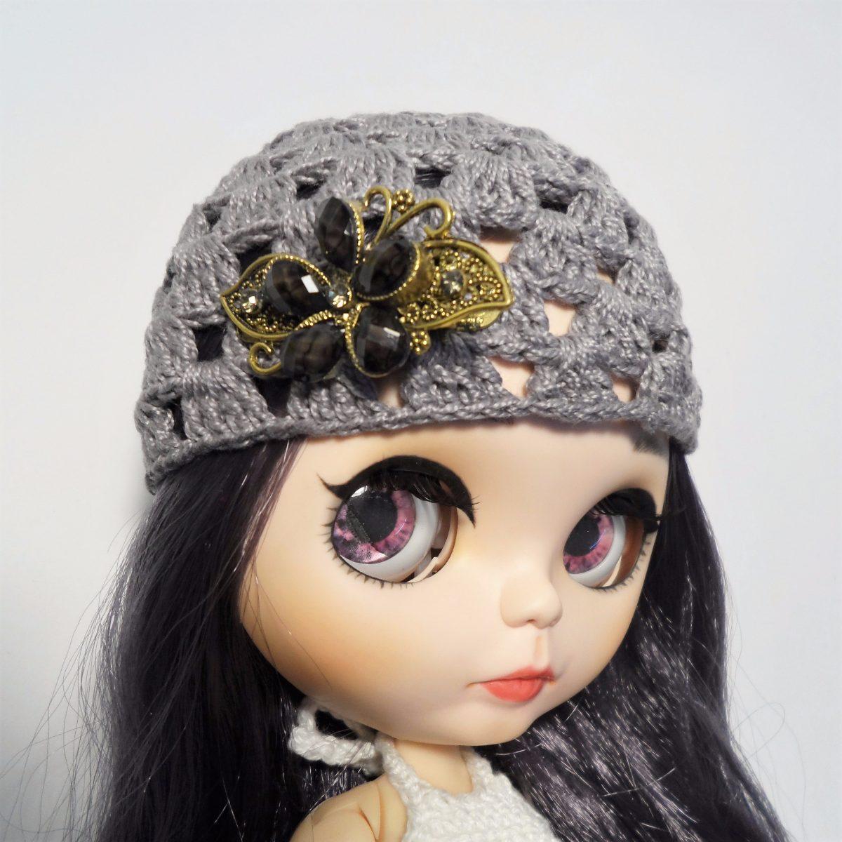 0b730b36b3205 Touca Cinza Crochê-broche Flor Bonecas  Blythe