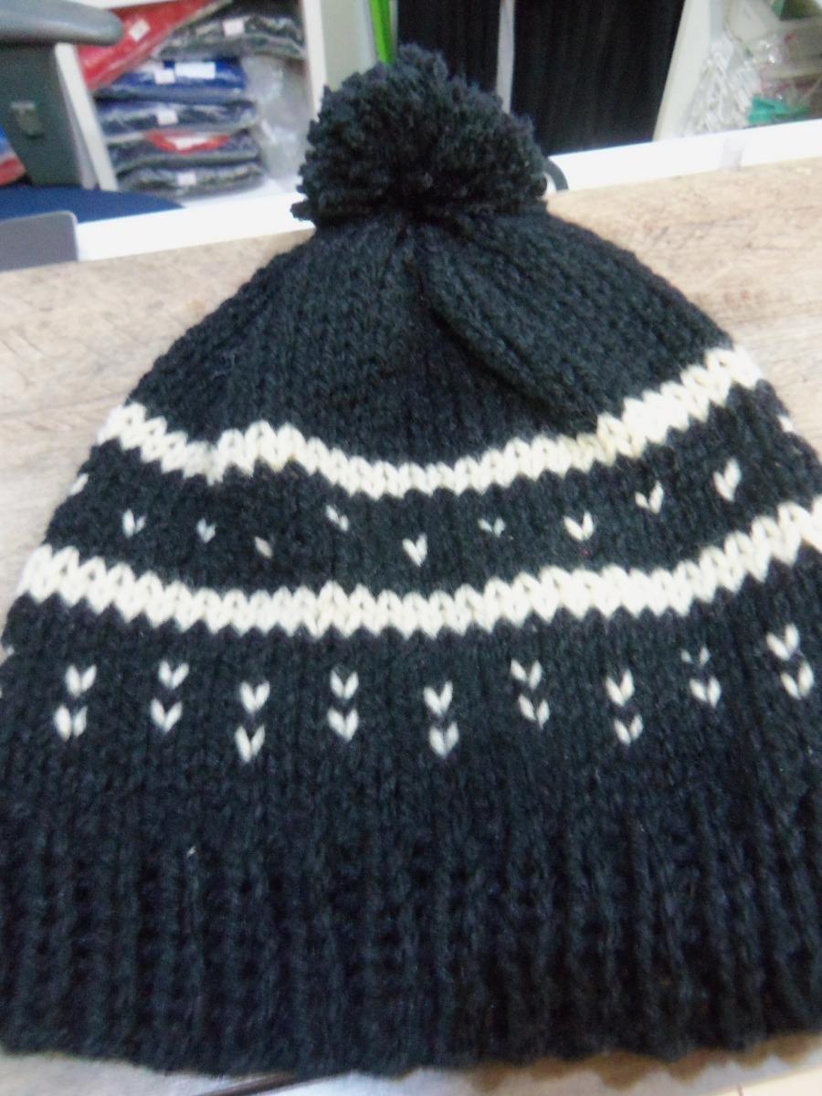 touca preta com pompom em tricot feito a mao. Carregando zoom. 6c1ea0e0176