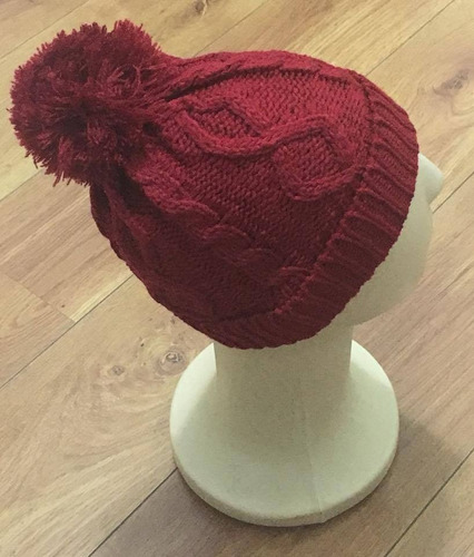 touca trança de lã com pompom várias cores pronta entrega