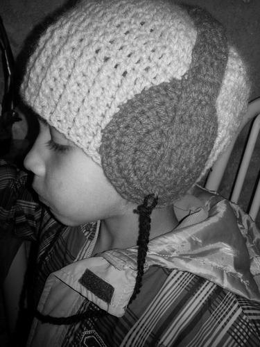 toucas de lã em crochê infantil e adulto.