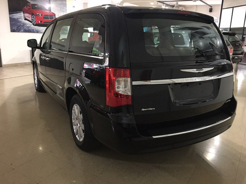 town and country limited3.6 v6 283cv 0km sport cars belgrano