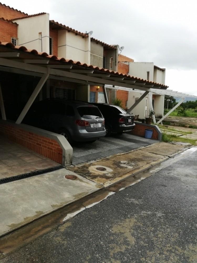 town house en conjunto residencia amazonia, san diego. wc