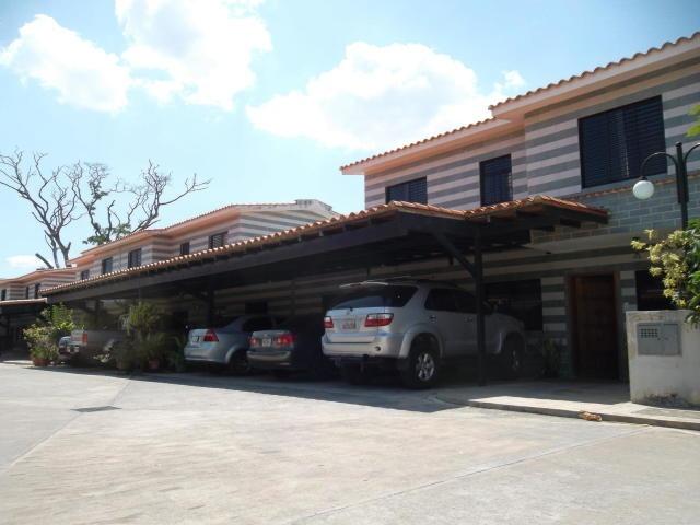 town house en venta san diego carabobo ym