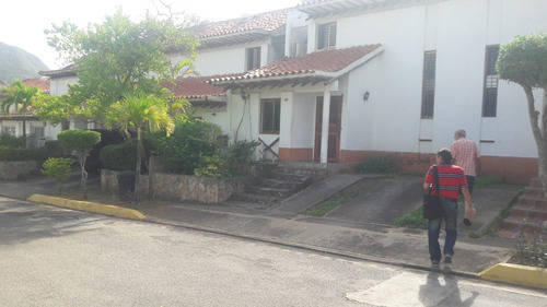 town house la asuncion valle alto