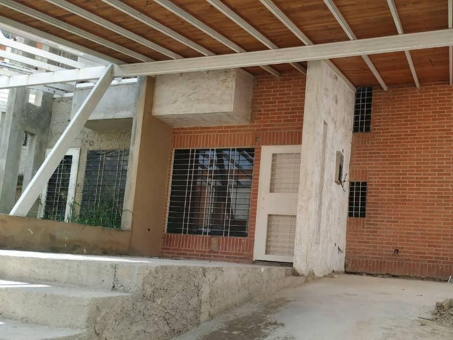 townhouse en san diego, urb. amazonia. hengly castellanos