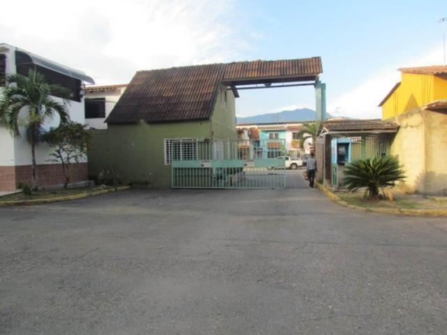townhouse en venta en parqueserino san diego cod 208442 gav