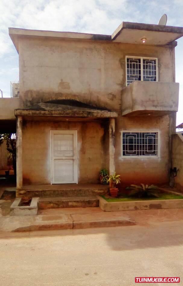 townhouse en venta en villa caroni