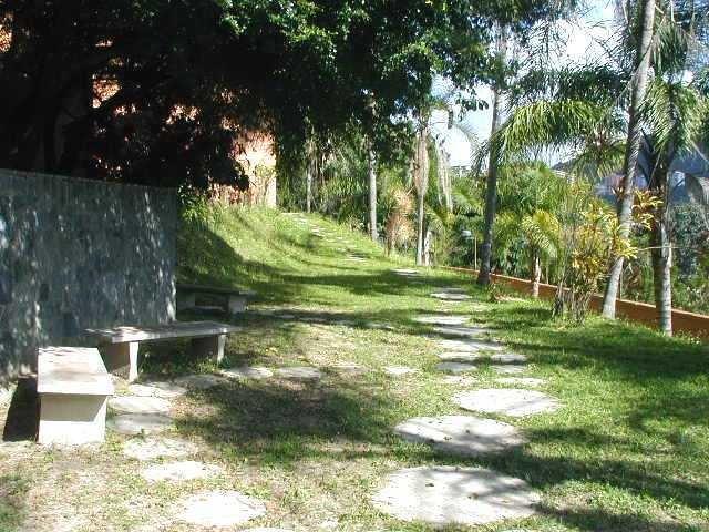 townhouse listo para ser remodelado en la trinidad