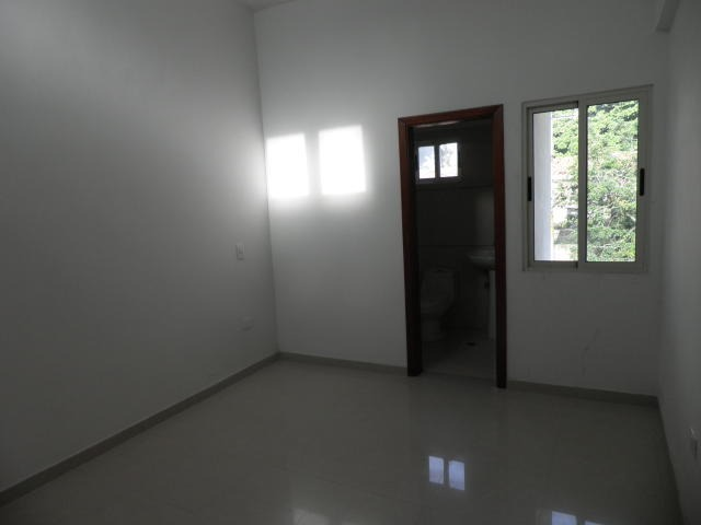 townhouse, urb. el trigal norte, 20-4540, opm