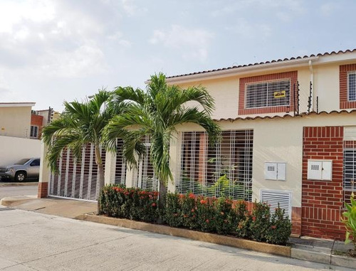townhouse venta prolongacion av aragua codflex 17-14821 dlr