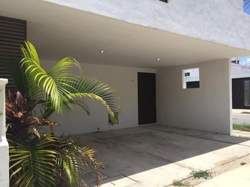 townhouses en renta,a min de macroplaza,nuevo yucatán,merida,yucatán