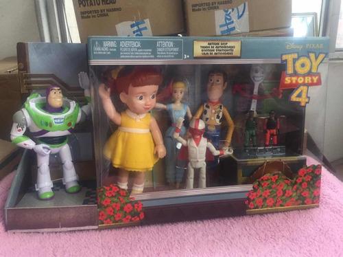 toy story 4 . tienda de antigüedades