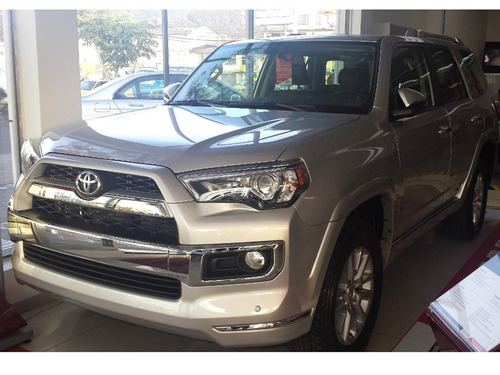 toyota 4 runner  2018 limited at 4000cc aa
