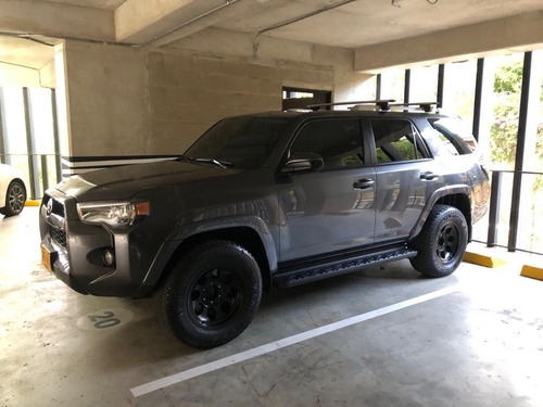 toyota 4runner. 2017, gris, 4.000 cc, at secuencial.