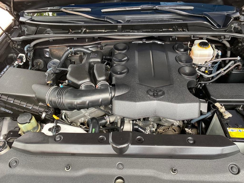 toyota 4runner motor 4.0 4x4 2017 gris metálico.