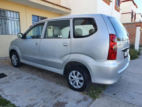 toyota avanza 2011 premium automatica