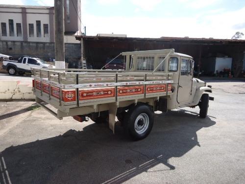 toyota bandeirante, carroceria, ano 1983