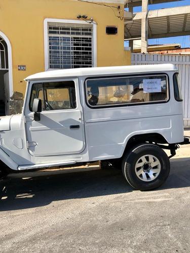 toyota bandeirantes jeep longo motor mercedes 4x4 c/reduzida