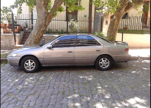 toyota camry 2.2 at